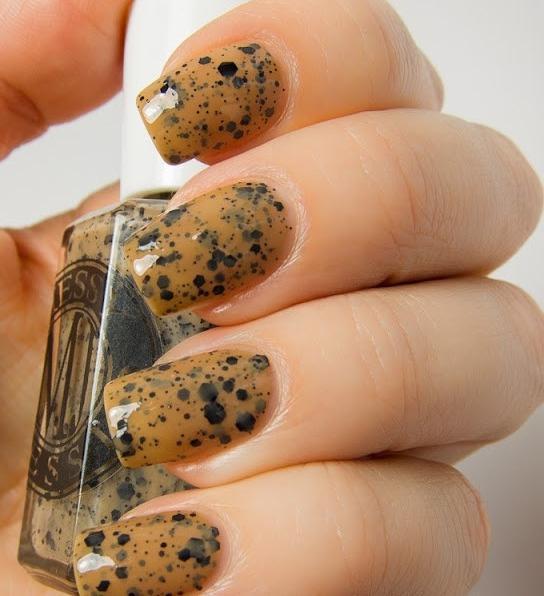 En búsqueda de la moda: el esmalte de uñas con el efecto de huevos ...