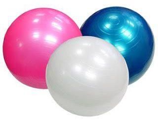Wczesny rozwój: ćwiczenia na fitball dla niemowląt