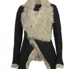 Qu'est-ce que le manteau de peau de mouton en peau de mouton?