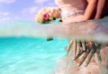 Das Paar spielte eine Hochzeit im Meer!