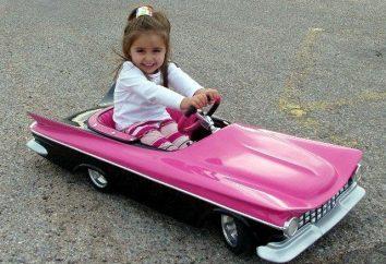 Niños coches de pedal y el vehículo eléctrico