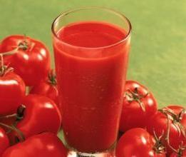 Produkcja soku pomidorowego w domu przez długi czas zapewni Ci pysznego i zdrowego napoju