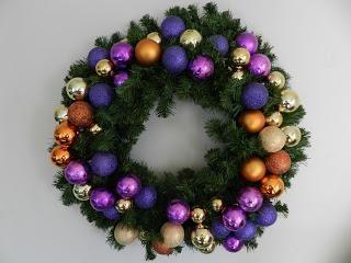Preparación para el Año Nuevo – hacer corona de Navidad con las manos