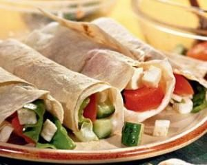 Salchichas en pan de pita: cómo se puede cocinar deliciosos