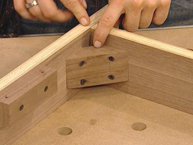 Jeżeli Drewniane łóżko Skrzypi Co Robić