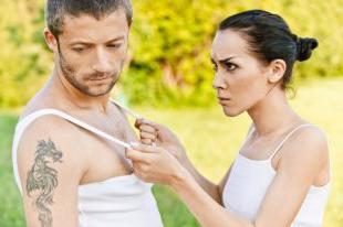 Tipps weisen Frauen: wie er zu erklären, dass er falsch ist