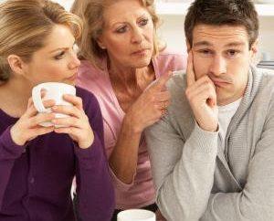 Mutter-in-law und Sohn. Familiäre Beziehungen