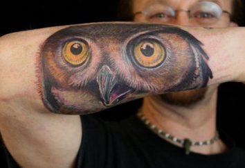 La méthode d'auto-expression: un tatouage sur l'avant-bras