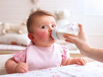 bebe fievre joue rouge