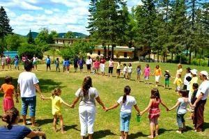 ¿Qué hacer con los niños en el campamento? Consejos consejero