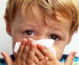¿Necesito gotas especiales para la nariz de mi bebé?