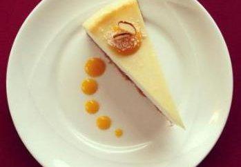 Gâteau au fromage avec des miettes. recettes simples