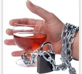 Wie wird man von Alkoholismus zu Hause los: ein paar Tipps