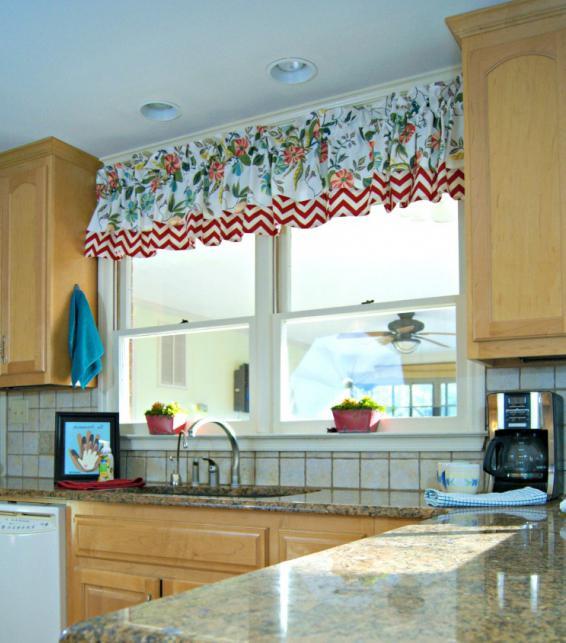 tende modello a mano. breve Cucitura delle tende da cucina