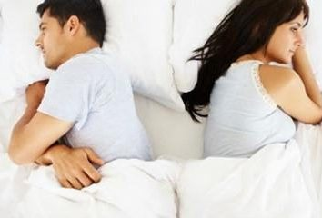 Biały izolacji mężczyzna na głowie: przyczyny i leczenie
