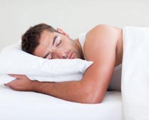 Czy wiesz, dlaczego osoba drga kiedy śpi?