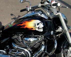 """Aerografia na motocyklach jest sposobem na przekształcenie """"żelaznego konia"""""""