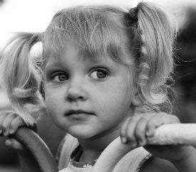 Perché il sogno dei bambini? Ragazza e ragazzo in un sogno