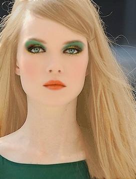 Colore dei capelli occhi verdi