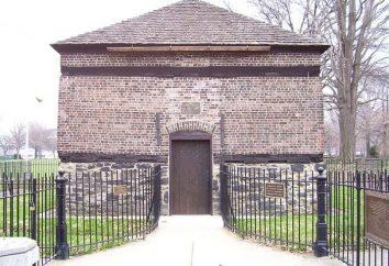 Oryginalny dom z bloków z rękami