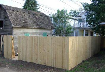 Machen Sie einen Zaun auf dem Land mit ihren eigenen Händen