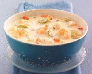 Smaczne i zdrowe owoce morza zupa krem