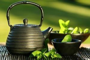 Jaka powinna być herbata do odchudzania? Pożyteczne i szkodliwe dodatki w herbacie