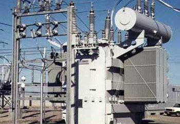 Un transformador de potencia: el dispositivo, el principio de funcionamiento y las características de la instalación