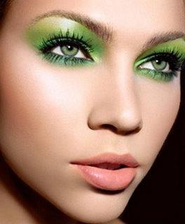 yeux vert gris