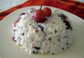 La cuisine est originale et savoureuse: fromage cottage de gâteau au fromage et d'autres ingrédients