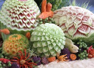 capolavori Delicious di intaglio di frutta e verdura