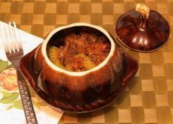 Comment faire cuire la viande et les pommes de terre dans le pot dans le four