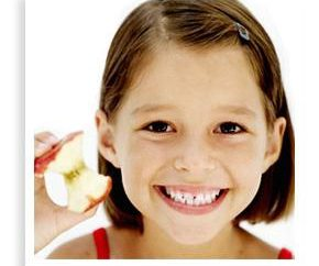 Dlaczego dziecko zgrzytając zębami w nocy i jak z nim walczyć