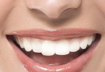 Podłącz zęby zwłaszcza protez