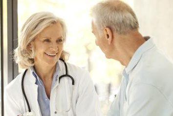 Como chamar o médico em casa da clínica: um número de maneiras