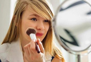 Lekki make-up do szkoły dla młodzieży. zestaw kosmetyków dla dziewczynek