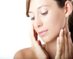 Comment aligner le tonus de la peau? Secrets de maquillage impeccable