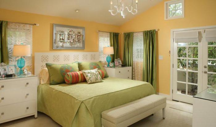 Camera da letto in colori chiari: caratteristiche di design e idee ...