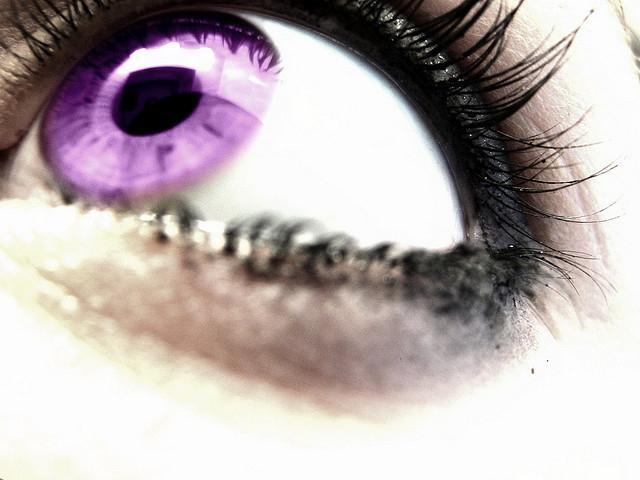 Souvent yeux Violet - mythe ou réalité? VN46