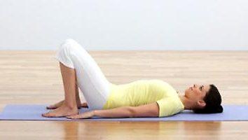 Exercícios para a coluna vertebral em casa. espinha exercícios de alongamento