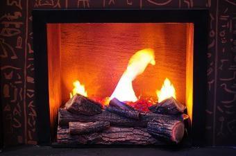 Imitacja ognia własnymi rękami w mieszkaniu lub domu. Jest imitacja ognia w kominku może być nierealne?