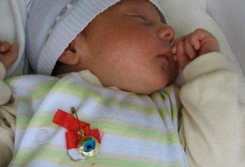 Charm für Kinder: Sicherheitsnadel und roter Faden gegen den bösen Blick, Puppen, Amulette, Armbänder der Eberesche