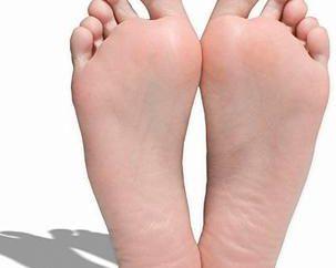 Jak wybrać podeszwy? Wkładki ortopedyczne dla płaskostopia – opinie