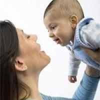 Quelles sont les étapes de développement des enfants doivent savoir environ un an?