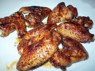 Cómo cocinar las alas en la miel?