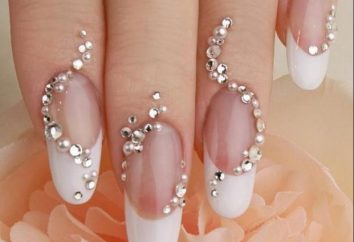 Come fare una manicure con cristalli a casa?