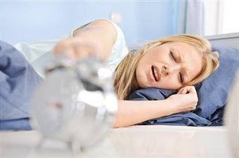 Por mão dormente durante o sono