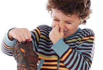 Comment éliminer l'odeur de chaussures: 10 conseils