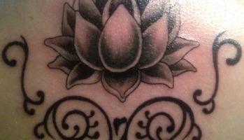 """Wartość tatuażu """"lotos"""" we współczesnym świecie"""