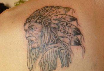 Wspólna mężczyzna tatuaż na łopatce